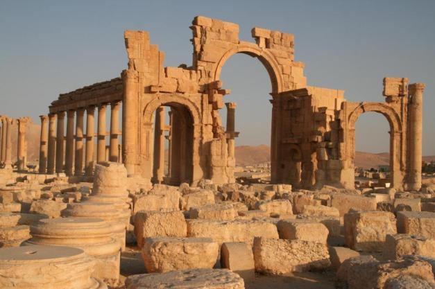Triumphal Arch before ISIS